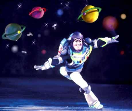 """Buzz Lightyear: """"ao infinito e além"""""""