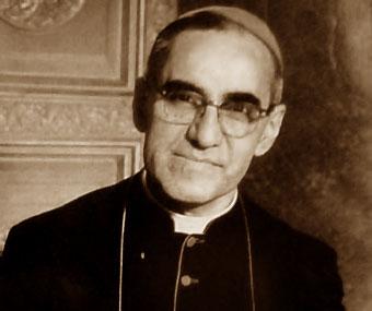 O arcebispo Óscar Romero foi assassinado durante uma missa