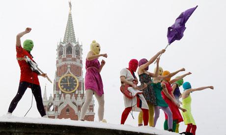 As integrantes do Pussy Riot na gélida Praça Vermelha em janeiro de 2012