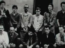 A conhecida foto dos 15 presos políticos libertados