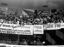 Galeria do Congresso lotada por manifestantes no dia da rejeição da emendas das Diretas Já (fonte: Célio Azevedo - site Fotos Públicas)