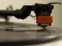 Nunca deixe seu disco assim… A poeira prejudica não apenas o vinil e a agulha como a audição (foto: Bernardo Jardim Ribeiro/ Sul21)