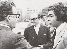 O futebolista Carlos Caszely e Salvador Allende (de costas)
