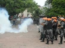 Repressão ao protesto em Porto Alegre na última segunda (foto Jorge Correa)