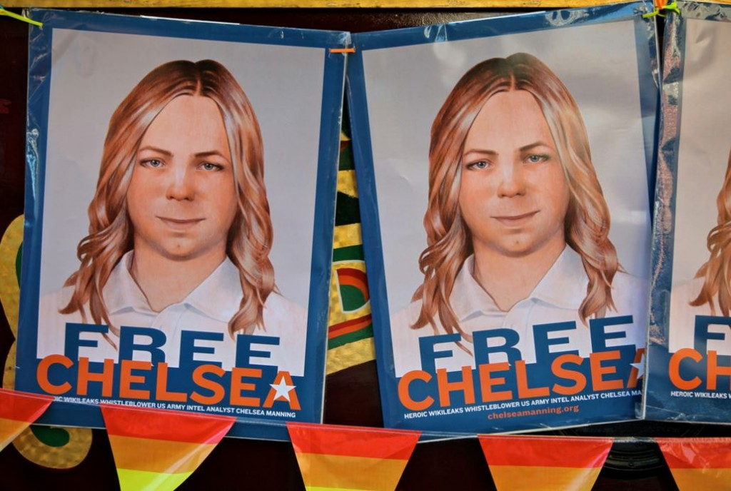 #freechelseamanning