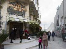 A fachada do Walled Off Hotel, hotel criado pelo artista Banksy (fonte: RT)
