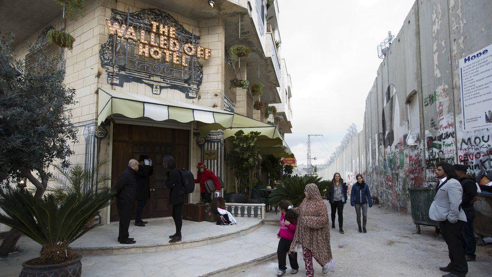 hotel banksy