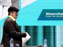 Timotchenko, líder das FARC, abrindo o congresso que criou o novo partido